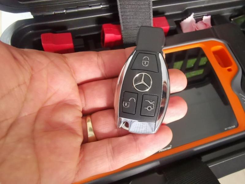 Ключ за Мерцедес + нарязване на метално перо + програмиране в компютъра на автомобила